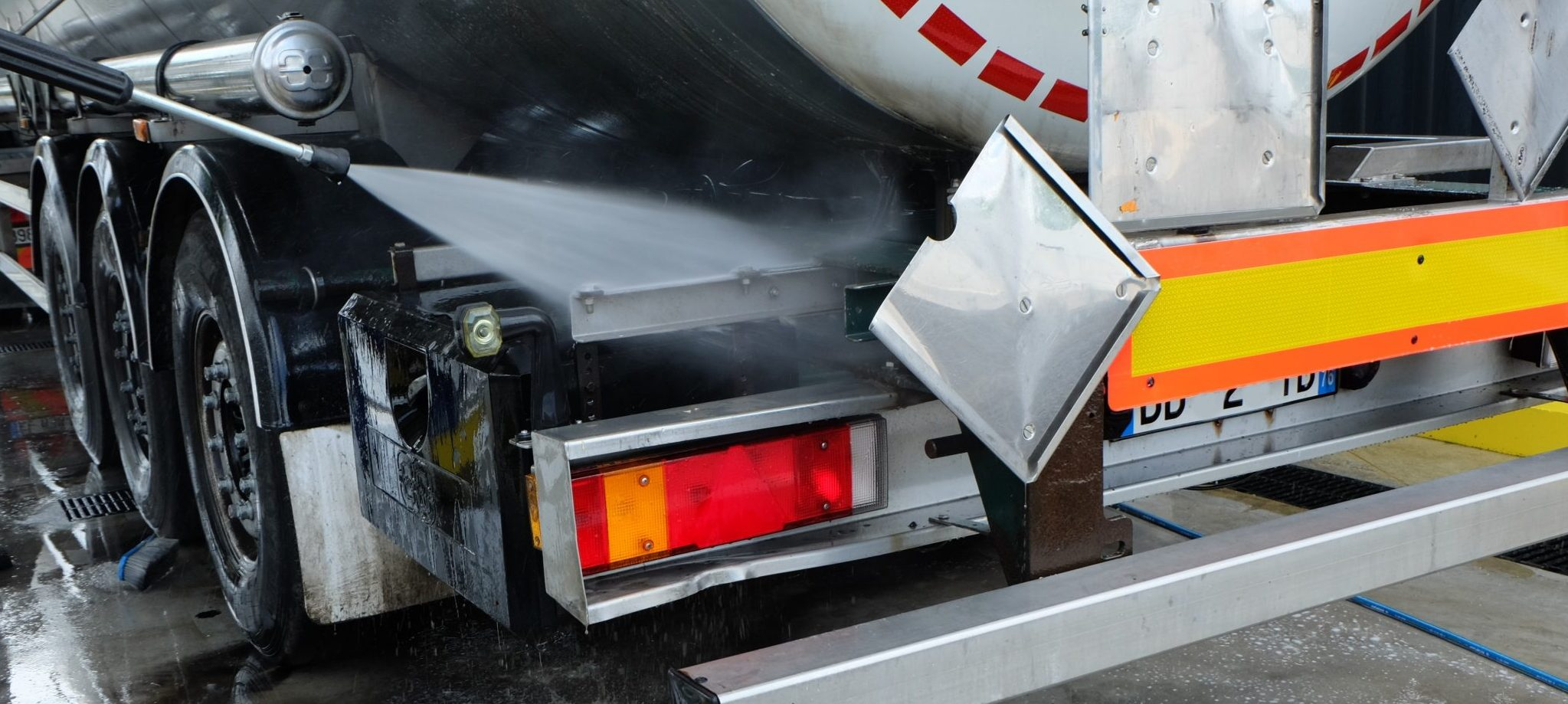 Recyclage lavage auto poids lourds autocars